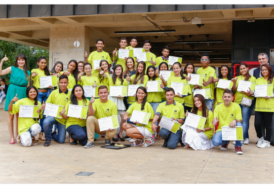 beneficiados becas fundacion argos