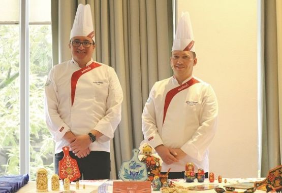 Los chef Julián Rinta y Denis Voronin.
